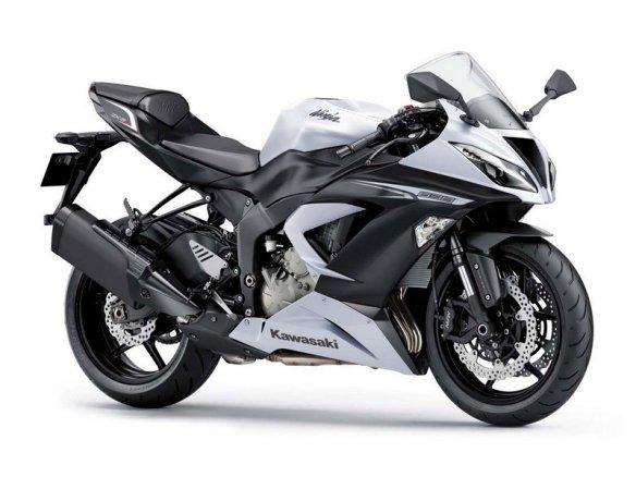 2013-Kawasaki-Ninja-ZX6R-636-002