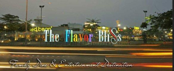Flavor Bliss kala malam. Parking Lot yang luar biasa luas membuat tempat ini nyaman utk Kopdar.