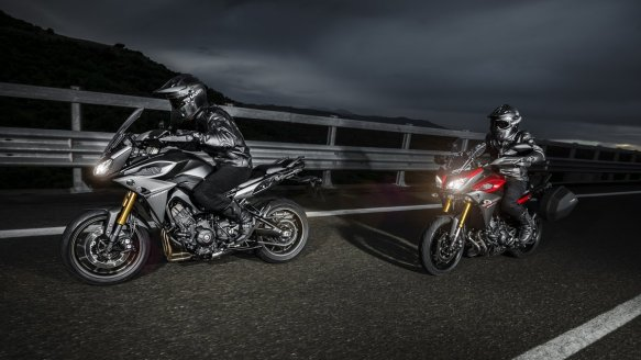 2015-Yamaha-MT09-Tracer-EU-Lava-Red-Action-003
