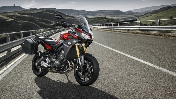 2015-Yamaha-MT09-Tracer-EU-Lava-Red-Static-003