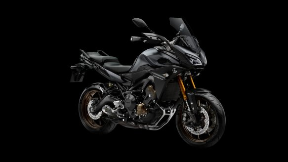 2015-Yamaha-MT09-Tracer-EU-Matt-Grey-Studio-008