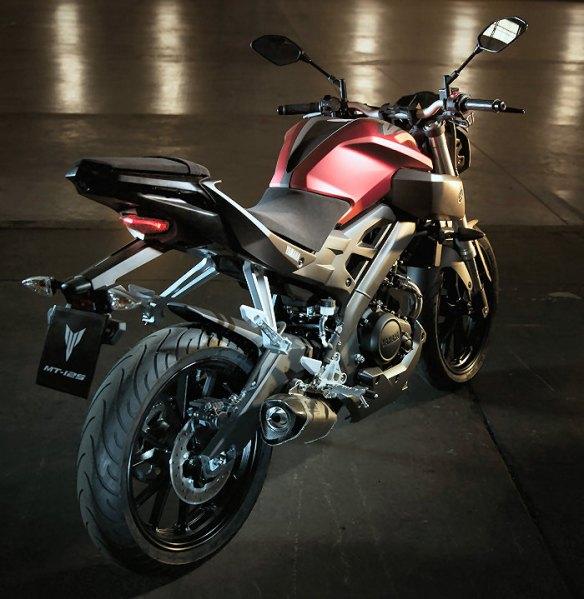 Yamaha-MT125-rear