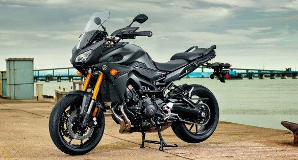 2015-Yamaha-FJ-09-MT-09-Tracer-06
